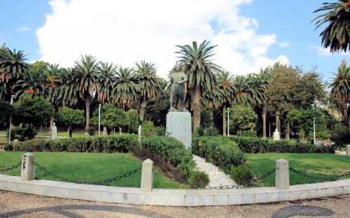 Κωνσταντίνος Κανάρης στον Δημοτικό Κήπο της Χίου