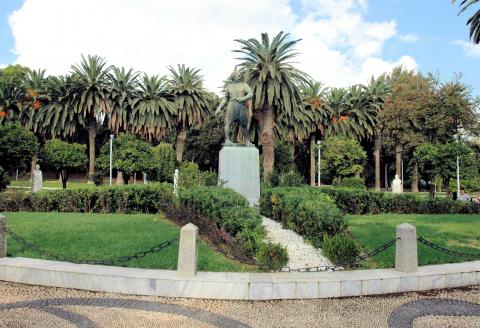 Ο Κωνσταντίνος Κανάρης στον Δημοτικό Κήπο της πόλης